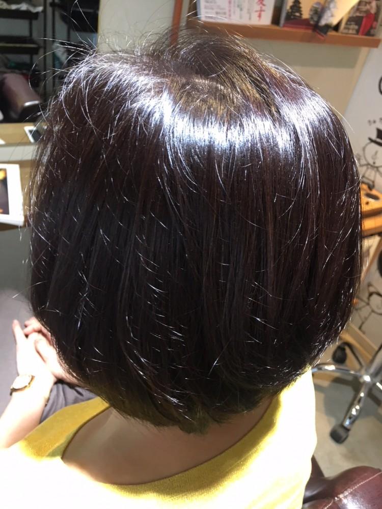 マット系の色を使っても顔色がくすまない白髪を染める方法!